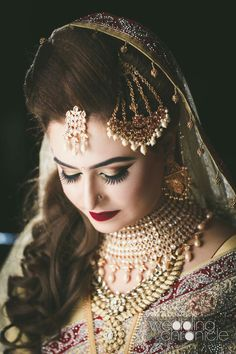 Desi Wedding, Wedding Looks, Bridal Looks, Wedding Bride, Hairstyles For Gowns, Indian Bridal Hairstyles, Indian Wedding Jewelry, Bridal Jewelry, Pakistani Bridal