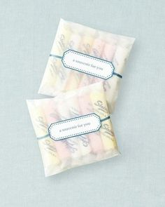 Salt Water Taffy | 42 Wedding Favors Your Guests Will Actually Want...we ♥ this! moncheribridals.com
