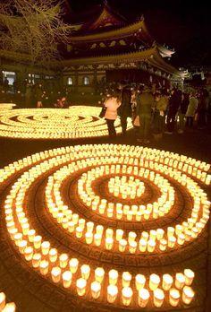 Manto Kigan-e (Lit up candles and praying) at Hasedra, Kamakura, Japan