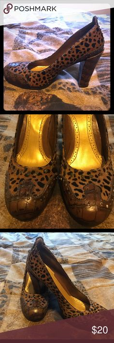 Gently worn Sam Edelman shoes size 8 These are gently worn Sam Edelman shoes size 8. Please ask me questions or make an offer. Thank you! Sam Edelman Shoes Heels