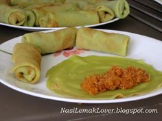 Nasi Lemak Lover: Kuih Ketayap (Crepe with coconut filling)