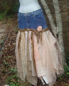 Recycled denim skirt with attached lace. It is lined with a tan stretchy slip Denim And Lace, Lace Jeans, Old Jeans, Böhmisches Outfit, Denim Outfit, Diy Clothing, Sewing Clothes, Denim Look, Denim Ideas