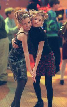 Ashley Mary Kate Olsen, Ashley I, Ashley Olsen, Olsen Sister, Olsen Twins, Celebrity Twins, Celebrity Style, Michelle Tanner, Cute Hairstyles For School
