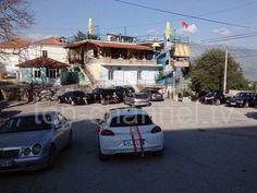 Fotoja e ditës: Lazarati i kthehet normalitetit. Fillojnë dasmat në fshat.