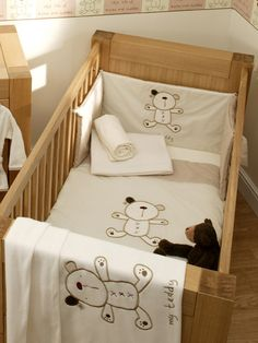 Cappucino Bear Cot and Cot Bed Nursery Bedding Bale Cappucino Bear from Lollipop Lane co-ordinates a neutral cream in soft fleece, brushed flannelette and cosy single jersey make this a classic choice. To fit cot and cot bed. Including: Quilt: 100 x 12 http://www.comparestoreprices.co.uk//cappucino-bear-cot-and-cot-bed-nursery-bedding-bale.asp
