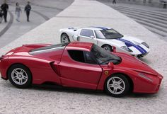 Ferrari and Ford GT