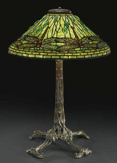 """Tiffany Studios """"DRAGONFLY"""" TABLE LAMP - ca 1905"""