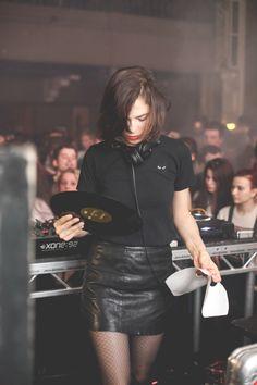 Nina Kraviz @ The Forum Aberdeen for Bigfoot's Tea Party X Minival 2014 Music Girl, Dance Music, I Love Music, Music Is Life, Dj Techno, Techno Party, Cultura Rave, Home Music, Girl Dj