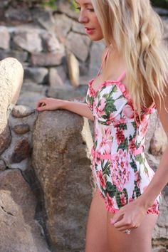 Bird a la mode in Wet Swimwear one piece swimsuit during vacation in Colorado Springs
