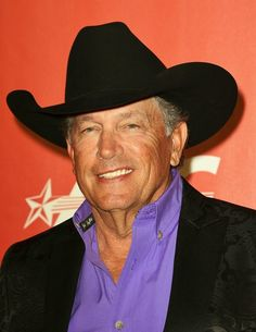 George Strait Photos Photos - George Strait arrives for the 2017 MusiCares Person of the Year, honouring Tom Petty, in Los Angeles, California on February / AFP / Robyn BECK - GRAMMY Awards - MusiCares Person of the Year - Red Carpet Male Country Singers, Country Musicians, Country Music Artists, Country Music Stars, George Strait Family, Joyce Taylor, Stud Muffin, Garth Brooks, Country Men