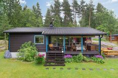 Right now I'm taking you to a 570 sq. ft. tiny cottage. It's located in the forest of rural Sweden. Thislittle housewas originally built in 1970 and later renovated in 2012. Inside you'll find ha...