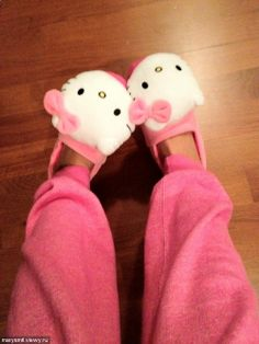 hello kitty.. I need those in my life! Since I don't have my oven :)