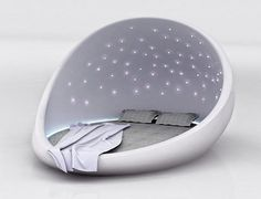 Starry Night: Cocoon-Like Bed Lulls You to a Peaceful Sleep