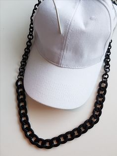 Total black sunglasses chain