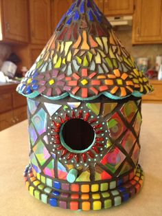 Bird House Kits Make Great Bird Houses Mosaic Birdbath, Mosaic Garden Art, Mosaic Art, Mosaic Glass, Mosaics, Stained Glass, Glass Art, Mosaic Crafts, Mosaic Projects