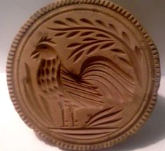 """RARE ROOSTER BUTTER PRINT FOUND IN BUCKS COUNTY, PA. 4 3/8"""" ACROSS AND 3 1/4"""" HIGH IN GOOD ORIGINAL AS FOUND DRY CONDITION. IT DOES HAVE NATURAL WEAR FROM USAGE AND INACTIVE POWDER POST BEATLE HOLE DAMAGE PRIMARILY ON THE EDGE AND BACK. Sold 1/25/15 on ebay for $608 to TN."""