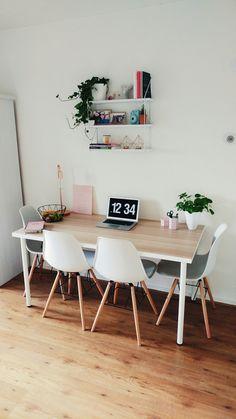 Home office #interior #inspiration #roomspiration #scandinavian #studentroom #room #desk #office #table #studyspace #student #studentroom #dorm #plants #clean