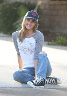 e41880a7d9fb Girl next door look complete with a sweet smile Summer Tomboy Outfits