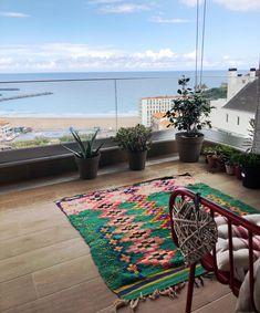 #Terrazas con vistas al mar 🌊❤️ @somethingspecial.es #alfombrasbilbao Bilbao, Carpets, Bohemian Rug, Rugs, Instagram, Home Decor, Ocean Views, Houses, Decks