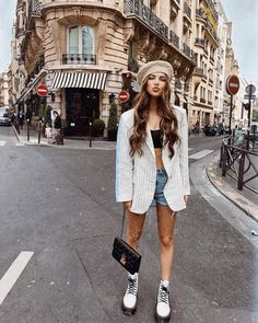 26 Everyday Street Style Ideas To Look Cool – New York Fashion New Trends Europe Outfits, Paris Outfits, Summer Outfits, Cute Outfits, Winter Outfits, Summer Dresses, Doc Martens Outfit Summer, Dr Martens Outfit, Look Fashion