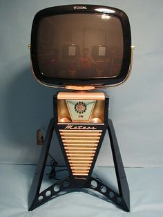 Amazing 1950s television. I sci fi lovers dream.