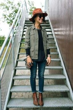 army jacket, no hat, ankle boots, dark jeans Mode Outfits, Fall Outfits, Casual Outfits, Looks Style, Style Me, Look Jean, Look Fashion, Womens Fashion, Mode Style
