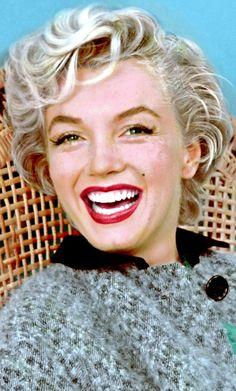 Marilyn Monroe photographed by Milton Greene, 1954 Estilo Marilyn Monroe, Most Beautiful Women, Beautiful People, Marilyn Monroe Artwork, Art Visage, Actrices Hollywood, Norma Jeane, Up Girl, Old Hollywood