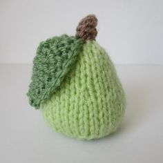 We've got of free knitting patterns to inspire you: from blanket knitting patterns to cardigans, hats, scarves and adorable free baby knitting patterns! Christmas Knitting Patterns, Knitting Patterns Free, Knit Patterns, Free Pattern, Arm Knitting, Double Knitting, Knitting Needles, Crochet Food, Knit Crochet