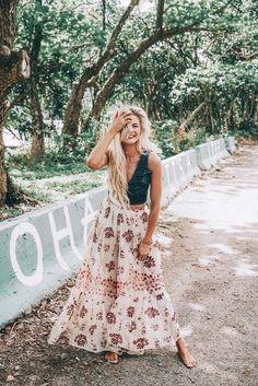 Barefoot blonde amber fillerup wearing free people and marissa webb. stunning summer boho style ღ stylish outfit Boho Fashion Summer, Trendy Summer Outfits, Look Fashion, Stylish Outfits, Fashion Outfits, Night Outfits, Spring Fashion, Outfit Summer, Hippie Fashion