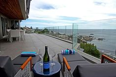 Houghton Penthouse is a luxury self-catering holiday apartment in Camps Bay with 3 bedrooms. View pictures, get rates and check availability.