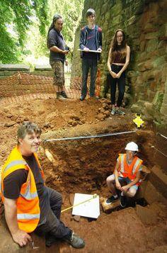 Sharing history of Kenilworth's medieval Gatehouse | Leamington Observer