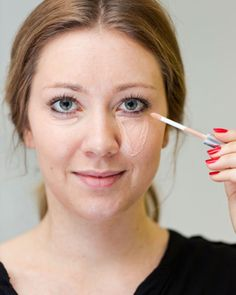 8 Concealer-Tricks, die ihr kennen solltet - Makeup Tips Color Correcting Beauty Makeup Tips, Best Beauty Tips, Eye Makeup, Beauty Hacks, Hair Beauty, Concealer Tips, How To Apply Concealer, Lilac Hair, Pencil Eyeliner