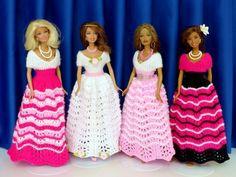 Puppenkleid stricken // Ballkleid für Puppen American Girl, Barbie Dress, Barbie Doll, Elegant, Doll Clothes, Gowns, Crochet, Disney Princess, Knitting