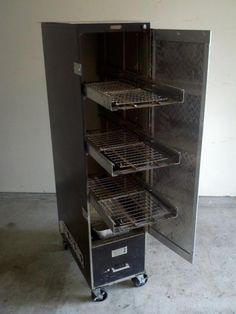 Turn that old filing cabinet into a smoker! Build A Smoker, Diy Smoker, Barbecue Smoker, Homemade Smoker, Bbq Grill, Bbq Meat, Barbecue Chicken, Filing Cabinet Smoker, Filing Cabinets