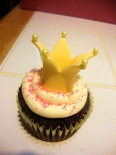 Handmade 3D Princess Crown Fondant Cupcake Topper