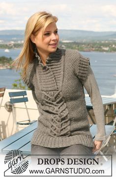 """Knitted DROPS jumper with short or long sleeves with cables and seed st in """"Nepal"""". Size S - XXXL. ~ DROPS Design"""