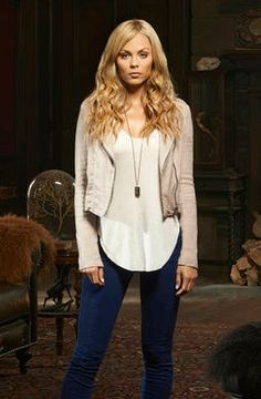 I love her look.  I am a big fan of the firm crop jacket and longer flowy shirt with skinny pants and ankle boots!