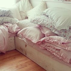 love the abundance of pillows and linens from the Rachel Ashwell, Simply Shabby Chic line Pretty pastel colours and ruffle trims Simply Shabby Chic, Shabby Chic Pink, Shabby Chic Style, Shabby Chic Decor, Shabby Chic Interiors, Shabby Chic Bedrooms, Shabby Chic Homes, Shabby Cottage, Cottage Chic