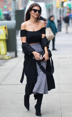 Emily Ratajkowski from The Big Picture: Today's Hot Photos Off the shoulder! The actress dons some fresh fashion while around town in Manhattan.