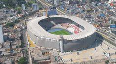 El Estadio Nacional de Perú (Lima) es un recinto para 50.000 espectadores abierto desde 1952. En ese escenario juega de local la selección de fútbol de Perú. Será sede de los Juegos Panamericanos 2019.