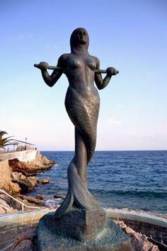 Mermaid Sand Sculptures | Astros Beach Mermaid Statue. | Mermaids of EarthMermaids of Earth