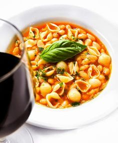 Pasta Fagioli Serves 6 pound cups) tubetti pasta or elbow macaroni, cooked to package directions cup olive oil 1 cu. Macaroni Pasta, Macaroni And Cheese, Patsy Recipe, Italian Restaurants Nyc, Pasta Fagioli Recipe, Italian Pasta Dishes, Italian Foods, Sicilian Recipes, Soup And Sandwich