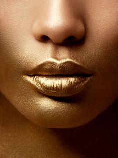 Golden Goddess makeup, who says you can't have a little Egyptian Goddess makeup, pure beautiful x Gold Makeup, Lip Makeup, Makeup Tips, Beauty Makeup, Glitter Makeup, Glitter Nails, Gold Glitter, Metallic Makeup, Gold Gold