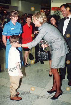 April 22, 1997: Diana, Princes of Wales visits St. Mary's Hospital for the Cosmic Charity on Behalf of the Pediatric Intensive Care Unit in Paddington, London. Photo by Dave Chancellor-alpha-Globe Photos