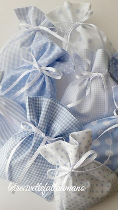 Baby Shower Party Favors Girl Diy Round Crib Baby Shower Take Home Favors Crib Pads. Idee Baby Shower, Baby Shower Party Favors, Baby Shower Parties, Baby Boy Shower, Diy For Girls, Gifts For Boys, Baby Shawer, Diy Baby, Lavender Bags