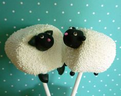 Wrap these little lamb marshmallows in cellophane and add them to an Easter basket (Sweet Simple Stuff)