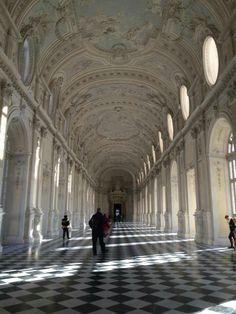 Galleria Grande di Diana. Su progetto di Michelangelo Garove. 1716.