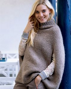 Poncho pattern by Sandnes Garn Knitted Poncho, Knitted Shawls, Knitting Designs, Knitting Patterns, Friend Outfits, Knit Picks, Knit Or Crochet, Knitwear, Pullover