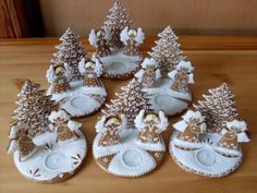 svícny andílci Christmas Desserts Easy, Xmas Food, Christmas Cooking, Christmas Angels, Christmas Crafts, Christmas Decorations, Gingerbread House Patterns, Food Centerpieces, Christmas Biscuits