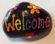 Set of 3 Emojii Painted Rocks Painted Garden Rocks, Painted Rocks Craft, Hand Painted Rocks, Painted Pebbles, Paint On Rocks, Rock Painting Patterns, Rock Painting Ideas Easy, Rock Painting Designs, Pebble Painting